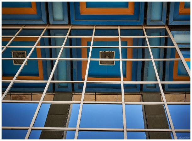 ¿transparent or reflective?