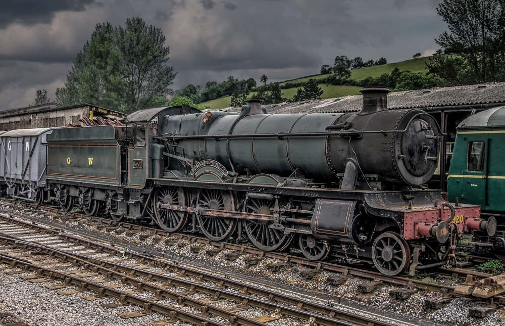 Dumbleton Hall. Steam Locomotive. (2)