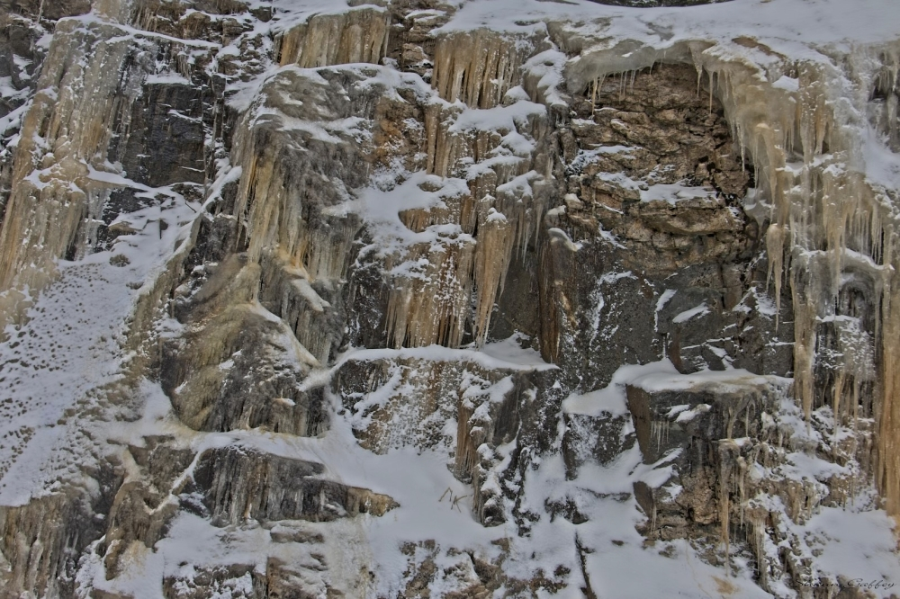 Ice On The Rocks Vermont.