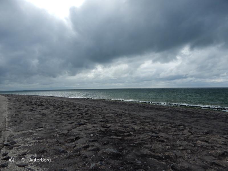 Thunder cloud to sea