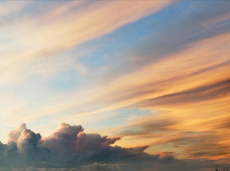The sky 9-08-2019 / 21.15 uur (2)