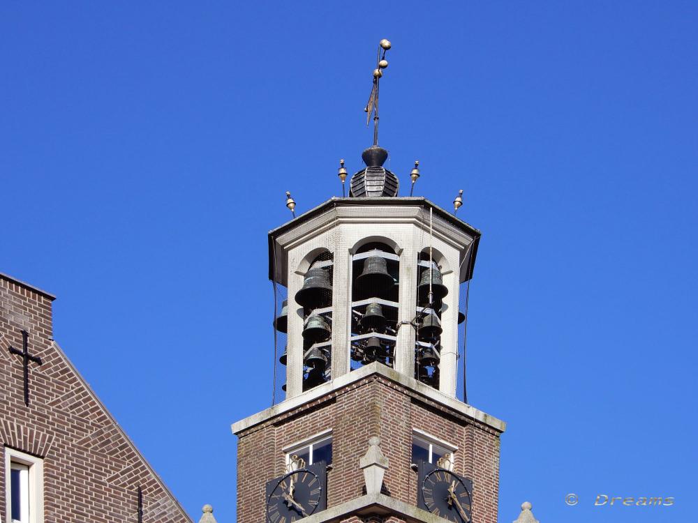 Heusden 8 .   Het Carillon van Heusden .