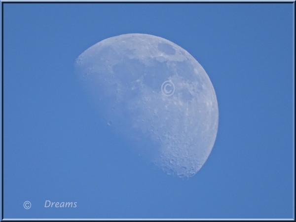 The Moon on 15.15 uur yesterday  .
