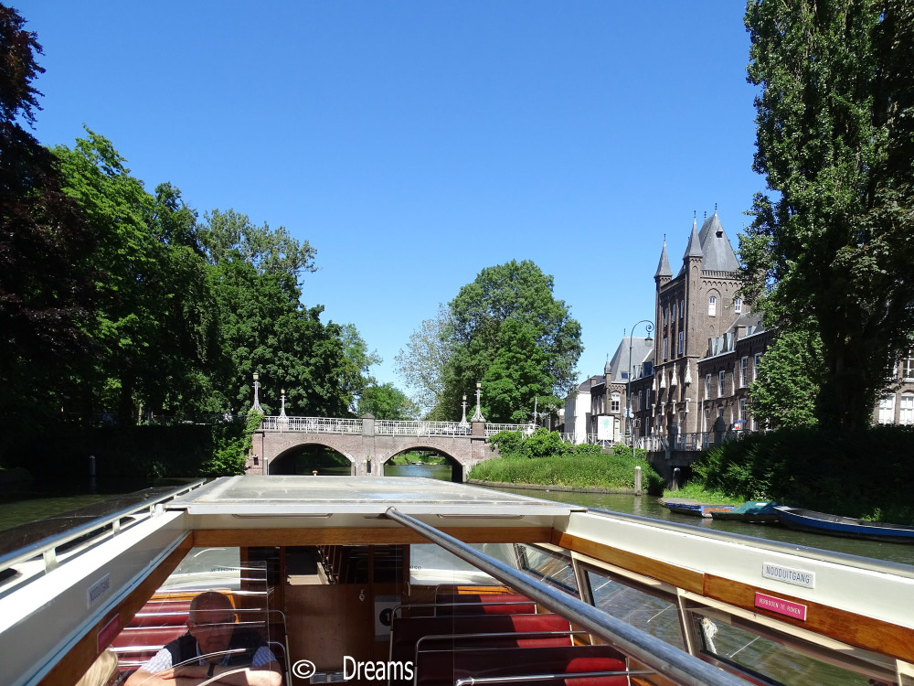 Utrecht from the water . 4