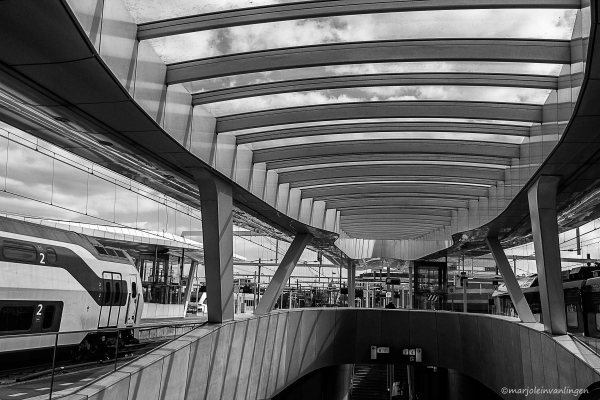 TRAIN STATION ARNHEM 8
