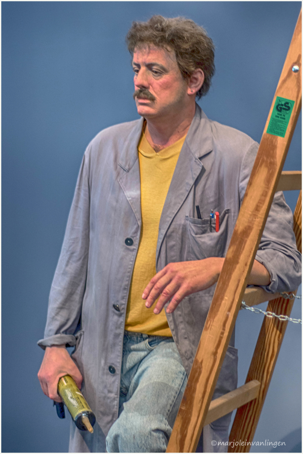 HYPERREALISM : THE HANDYMAN
