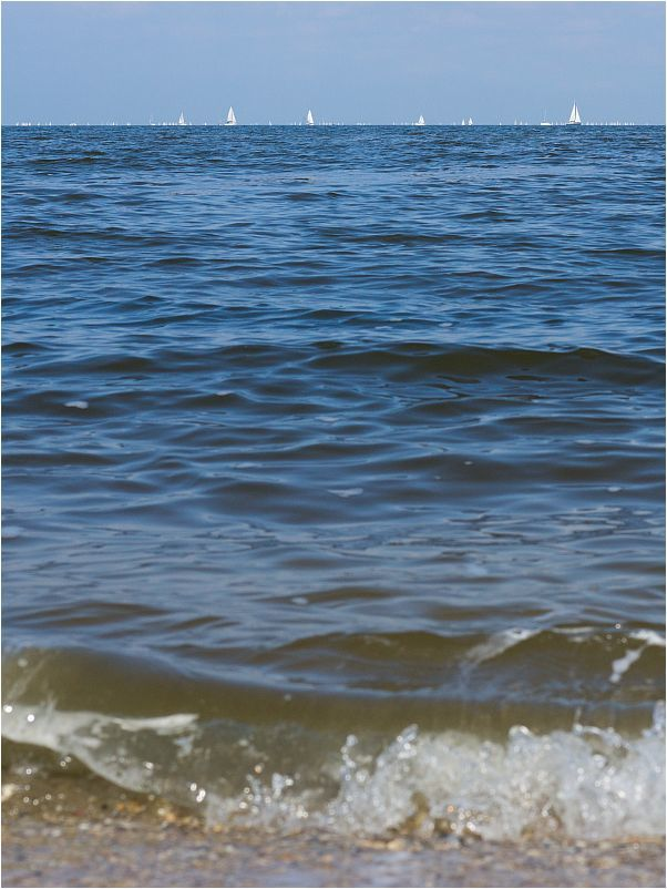 WAVES.AND.SAILS