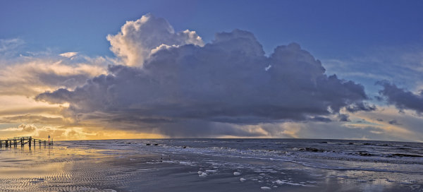 St. Peter Ording Sea wir clouds and rain