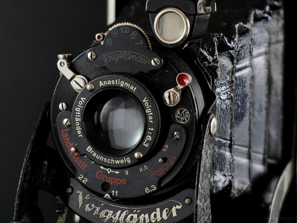 A voigtlander camera