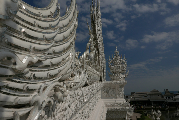 Wat Rong Khun, Another Perspective