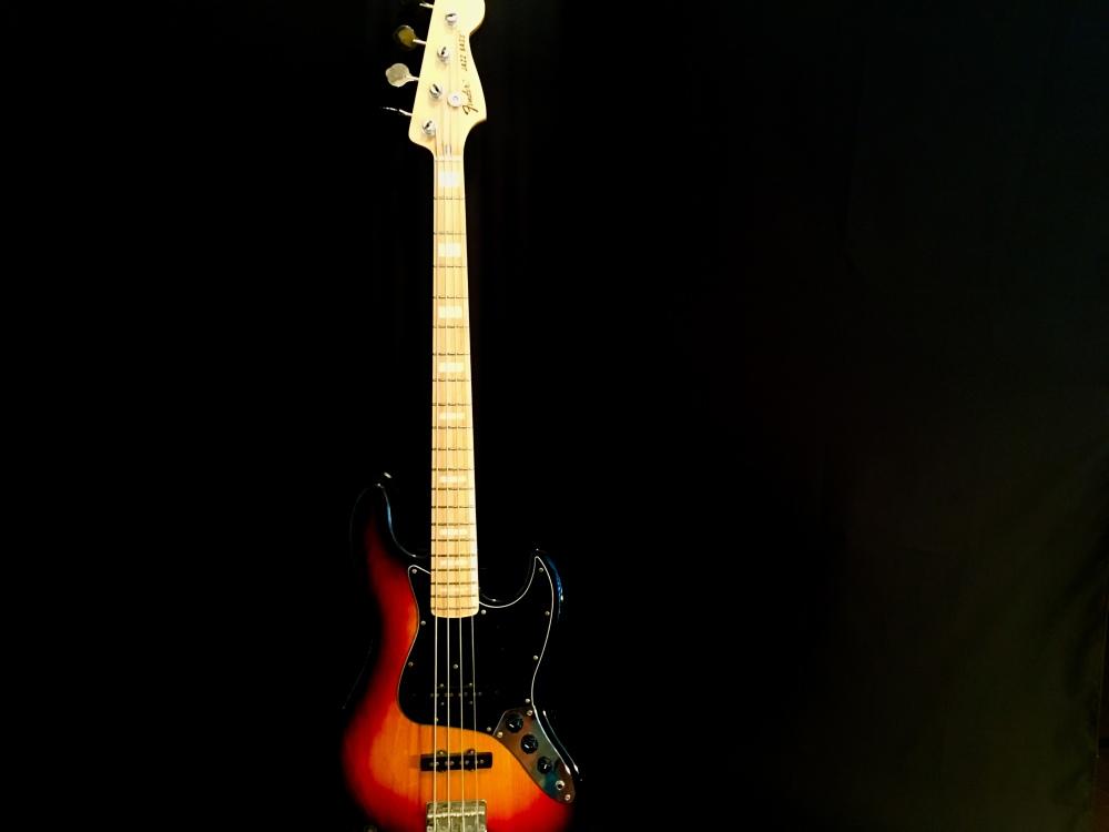 75 Jazz Bass Reissure