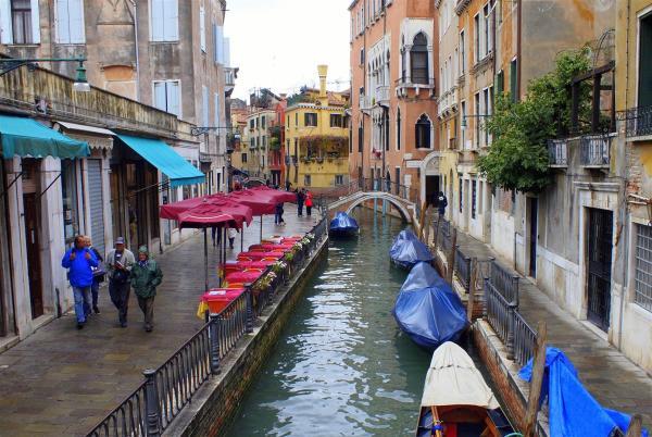 A Walk in Romantic Venice