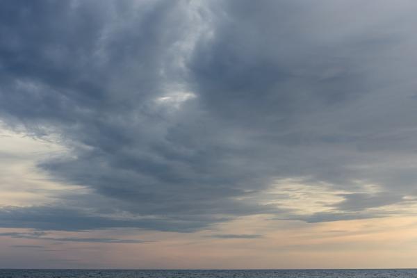 Looking west : Lake Ontario