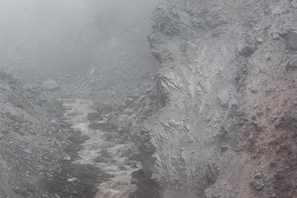 Below Loowit Falls : Mount St. Helens