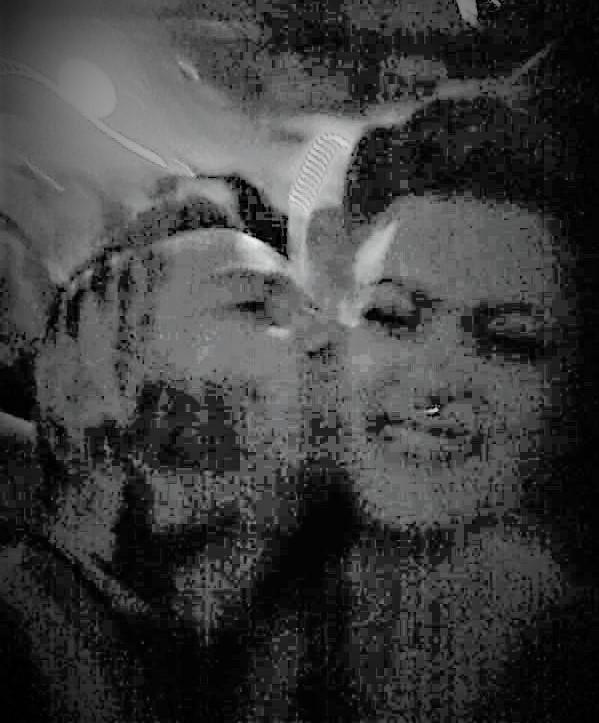 Pixel kiss
