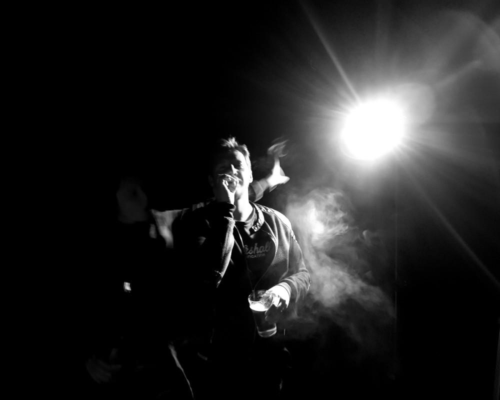 Nuit sous lumière● (2)