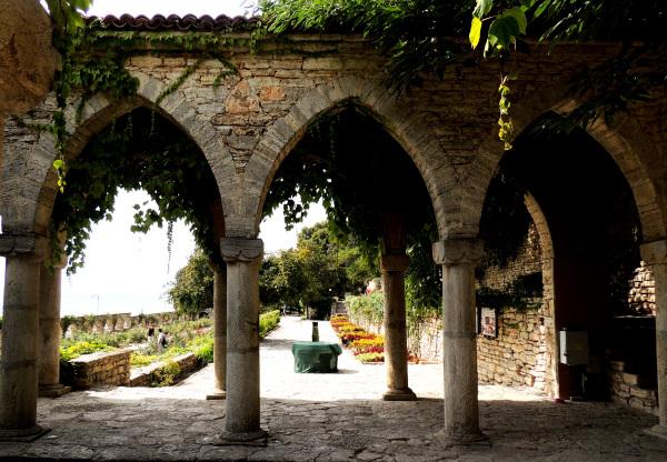 Balchik Palace 's Garden