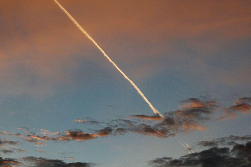 Ciek!!! Un avion!!! La vie reprend son cours..