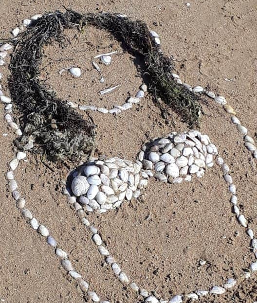 Sand and shell art