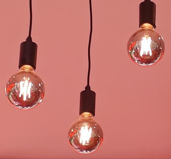 Lights t T-Huis