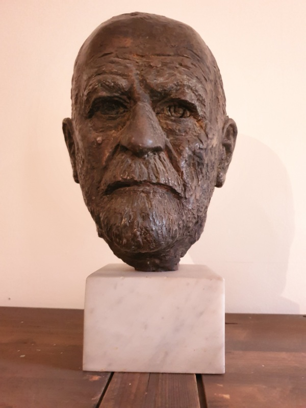 Sigmund Freud head sculpture
