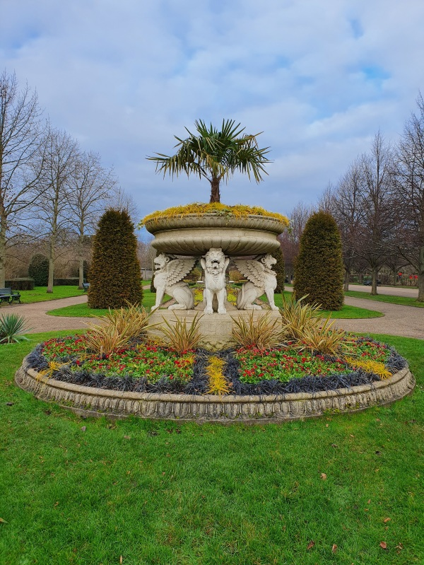 Ornamental flower bowl in Regents Park