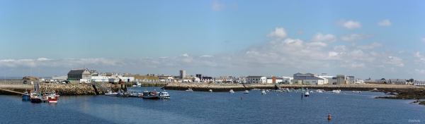 Panoramique du port de Saint Guénolé