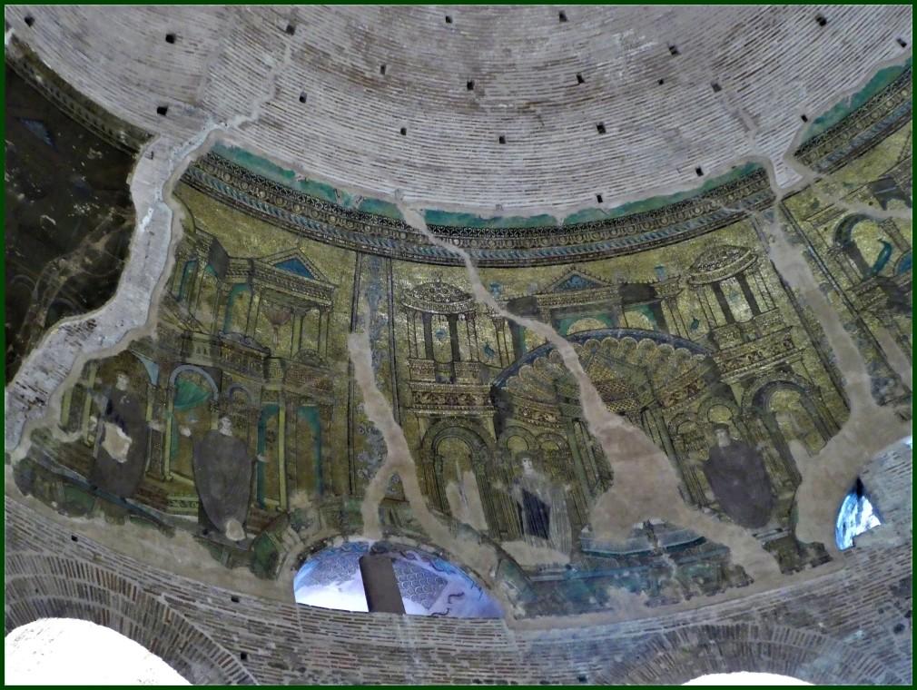 Kupula arrakalatua // Cracked dome