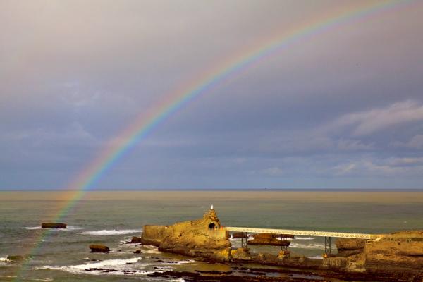Biarritz , le rocher de la vierge