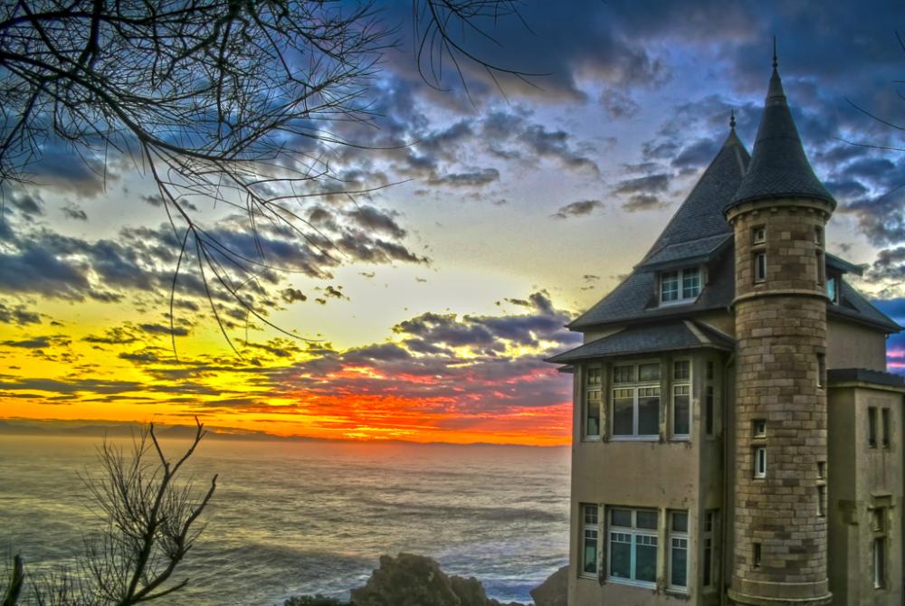 Sunset sur la villa Belza