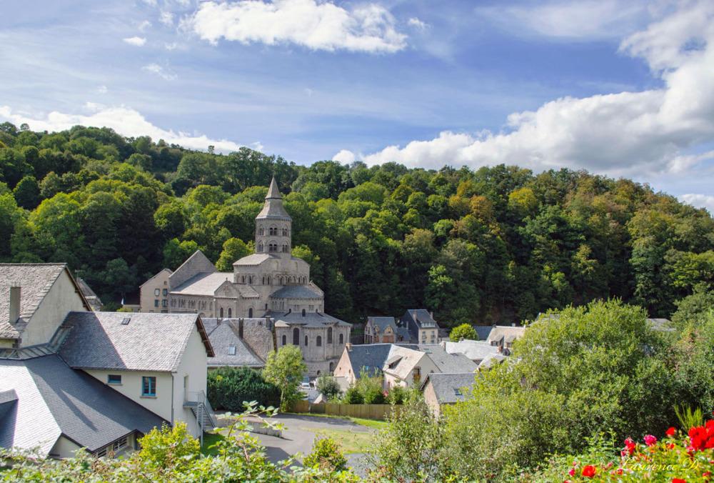 Basilique d' Orcival dans le Puy de Dôme